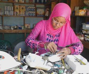 «بنت أسوان» تقتحم سوق العمل عبر ورشة صيانة أجهزة كهربائية (صور )