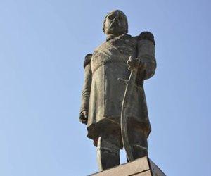 10 معلومات عن التمثال المستنسخ للخديوي إسماعيل أمام قصر عابدين