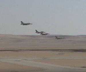 الجيش يثأر لشهداء الشرطة.. القوات الجوية تدمر 8 سيارات أسلحة بالواحات