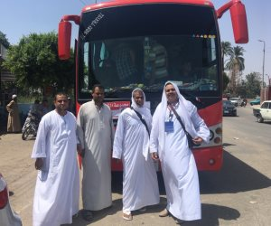حجاج أسيوط يتوجهون إلى مطار القاهرة للسفر للأراضي المقدسة
