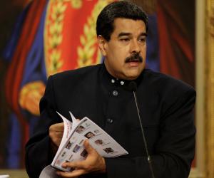 الرئيس الفنزويلي يطلب الالتزام باتفاق خفض إنتاج النفط