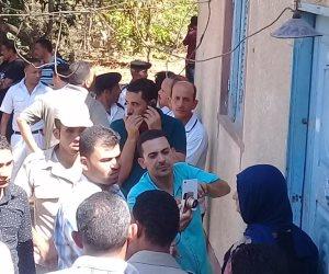 قاتلة طفلة فايد بالإسماعيلية تمثل جريمة قتلها أمام النيابة العامة (صور)