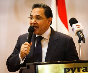 عبد الرحيم على يطالب رجال الأعمال بدفع رواتب العاملين بالكامل خلال أزمة كورونا
