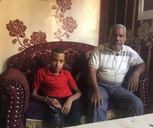 «أحدب أسيوط».. استغاثة محمود بالمسؤولين: «الحقوني» (فيديو وصور)