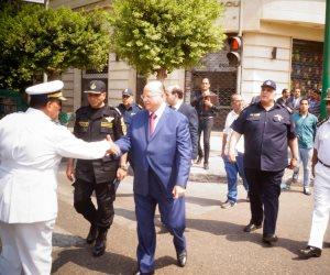 مدير أمن القاهرة يتفقد الخدمات الأمنية ويهنئ المواطنين بالمتنزهات (صور)