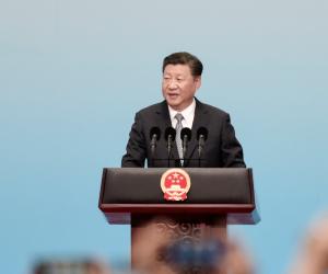 """بعد وضع أفكاره بميثاق الحزب الشيوعي.. سر مساواة """"شى"""" بالزعيم """"ماو"""" في الصين"""