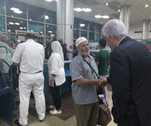 «حجاج فلسطين» يصلون معدية قناة السويس في طريقهم لمعبر رفح