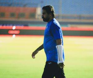 مدحت عبد الهادي يظهر قبل لقاء الزمالك والإنتاج «مصابا»