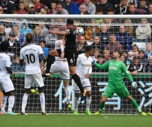 نيوكاسل يخطف فوزاً ثميناً من سوانزي سيتي بالدوري الإنجليزي (فيديو)