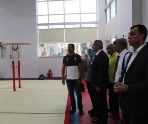 جولة تفقدية لوزير الرياضة مركز شباب الجزيرة (صور)