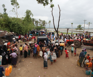 مصرع 3 أشخاص إثر تدافع على المساعدات فى مخيم مسلمى الروهينجا اللاجئين فى بنجلاديش