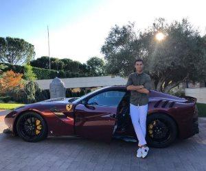 رونالدو ينشر صورة لسيارته الجديدة فيراري F12 TDf على إنستجرام