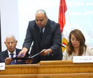 مكرم محمد أحمد يتعهد بمحاربة المخدرات ليلا ونهارا