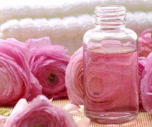 الورد والليمون فيهم الشفا.. تعرفي على أحدث الطرق الطبيعية للتخلص من تشقق جلد اليدين