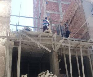 محافظة الإسكندرية تزيل ٦ عقارات مخالفة بحي شرق (صور)