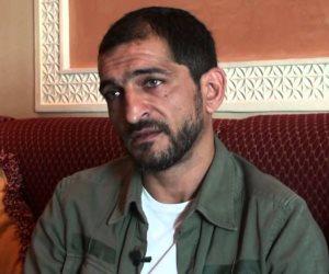 المطبع.. عمرو واكد يبيع القضية الفلسطينية بأبخس ثمن.. ويبرر: هكذا تعلمت الإنسانية