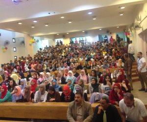 طبيب مصري يقدم ١٦ نصيحة للطلبة .. ويؤكد أهمية النوم والرياضة والإفطار للتفوق