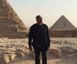 فوريست ويتكر ينشر صوره أمام الأهرامات: أشعر أنني في بلدي.. سأعود مجددا (صور)