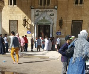 ذنب الإمام أم المصلين؟.. السبب الحقيقي وراء إغلاق مسجد الإمام الحسين
