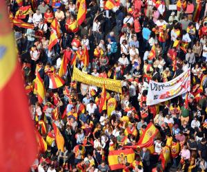 الأوضاع تشتعل في كتالونيا مجددا.. محاكمة 12 متمردا تدفع الإقليم نحو نفق مظلم