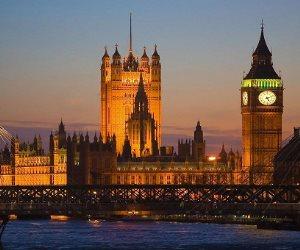 البداية كانت قبل 5 سنوات.. كيف انتهكت الحكومة البريطانية حياة مواطنيها؟