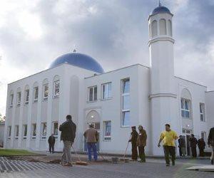 بعد اعتقال أحد الأئمة يجند الشباب.. ذعر في أوروبا من المساجد غير الشرعية