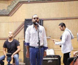 """""""حب الوطن"""" يعلن تأييد حملة علشان تبنيها.. والحاضرون يوقعون لمبايعة السيسى لولاية ثانية (صور)"""
