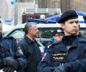 العثور على 18 مهاجرا فى النمسا داخل شاحنة