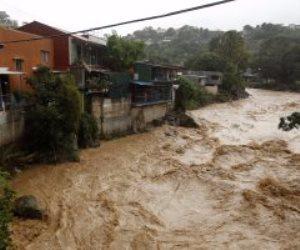 """في طريقها للولايات المتحدة.. العاصفة """"نايت"""" تضرب كوستاريكا وتودى بحياة 3 أشخاص"""