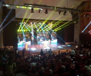 منال سلامة وكريم كوجاك يقدمان مهرجان الإسكندرية السينمائي (صور و فيديو)