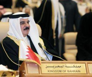 """ملك البحرين يفرض تأشيرة دخول على القطريين: تضررنا من """"تنظيم الحمدين"""""""