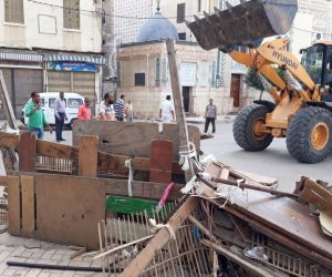 حملة مكبرة لإزالة الإشغالات بشوارع عامود السواري وكرموز غرب الإسكندرية (صور)