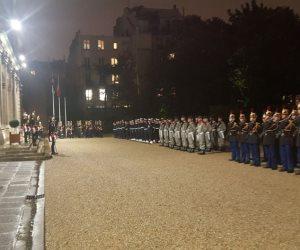 وزارة الدفاع الفرنسية تقيم مراسم استقبال للرئيس السيسي (صور)