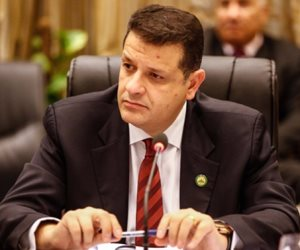 مقترح برلماني بمنح طلاب الامتياز ترخيص استثنائي لمواجهة فيروس كورونا