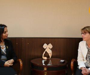 مايا مرسى تستعرض استراتيجية النهوض بالمرأة مع السفيرة الفنلندية