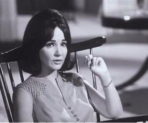 دلال عبد العزيز ورجاء الجداوي تصلان جنازة الفنانة شادية