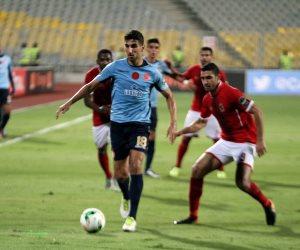 الشماريخ توقف مباراة الأهلي والوداد المغربي في نهائي أفريقيا