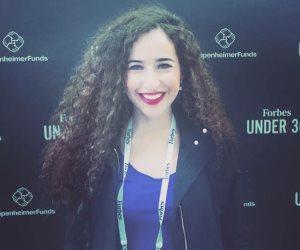 صاحبة محل حلويات.. غادة والي أول مصرية تتحدث في منتدى شباب العالم (صور)