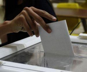 أول مصري يدلى بصوته في الانتخابات الرئاسية المصرية بنيوزلندا (صور)