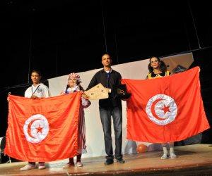 """""""بائعتا اللعب"""" عرض تونسي يجذب جماهير مهرجان طيبة بأسوان (صور)"""