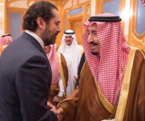 سعد الحريري يستقبل الملك سلمان أثناء عودته من المدينة المنورة (صور)