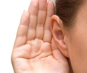 4 علامات لشمع الأذن تخبرك بأنك مصاب ببعض الأمراض.. تعرف عليها