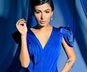 الأزرق يجمع ميس حمدان وشقيقتها دانا (صور)