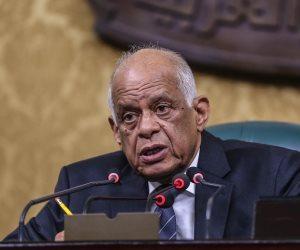 """في جلسة """"الروضة"""".. رئيس البرلمان يردد كلمات جمال عبدالناصر وقت النكسة (صور )"""
