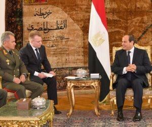 السيسي يبحث مع وزير الدفاع الروسي تطورات الأوضاع في الشرق الأوسط