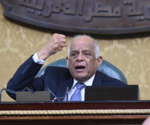 عبدالعال محذرًا النواب: «اللي هيغيب هننشر اسمه في الجرايد»