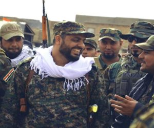 أزمة في لبنان والحريري يحقق.. زيارة لقيادي عراقي على صلة بحزب الله للحدود الإسرائيلية