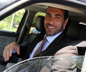 أبو تريكة يحزم حقائبه ويستعد للعودة إلي مصر