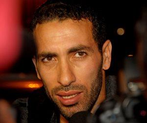 محمد أبو تريكة يُطلّق bein sport بالتلاتة (فيديو)