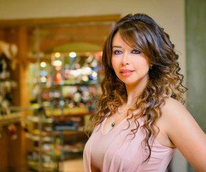 """الإعلامية نانسي إبراهيم في حوارها لـ""""صوت الأمة"""": نجومنا مشغولين بالشكل.. وماسبيرو تنقصه الإمكانيات"""